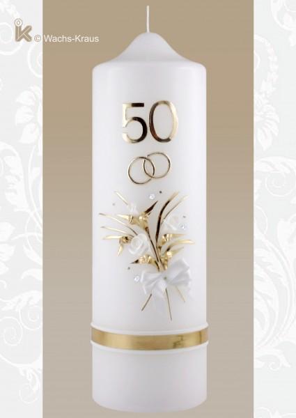 Kerze zum 50jährigen Ehejubiläum mit einer großen 50, goldfarbenen Ringen und einem zarten Strauß Blumen