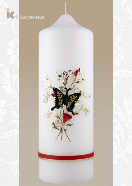 Kerzen zum Geburtstag Schmetterling. Der Schmetterling ist aus Wachs gegossen und auf die Kerze montiert