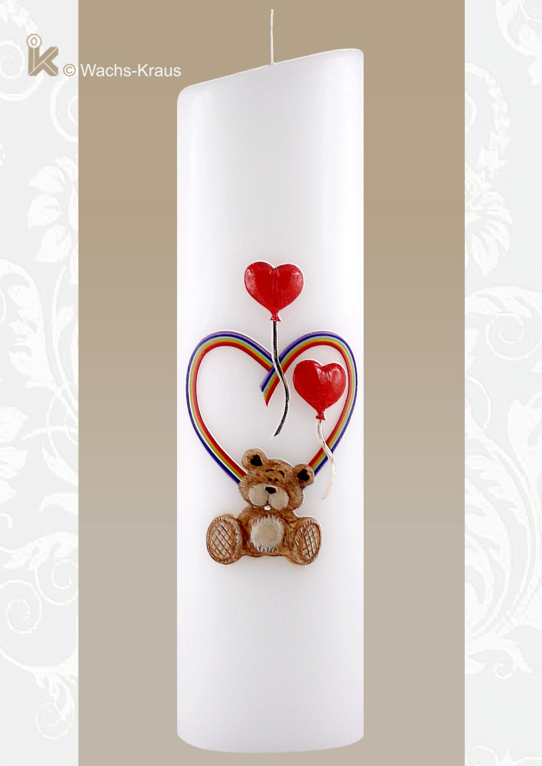 Taufkerze moderne Form. Weltliche Taufkerze: Bär im Regenbogen-Herz mit Luftballon. Bär und die beiden Ballone sind aus Wachs gegossen.