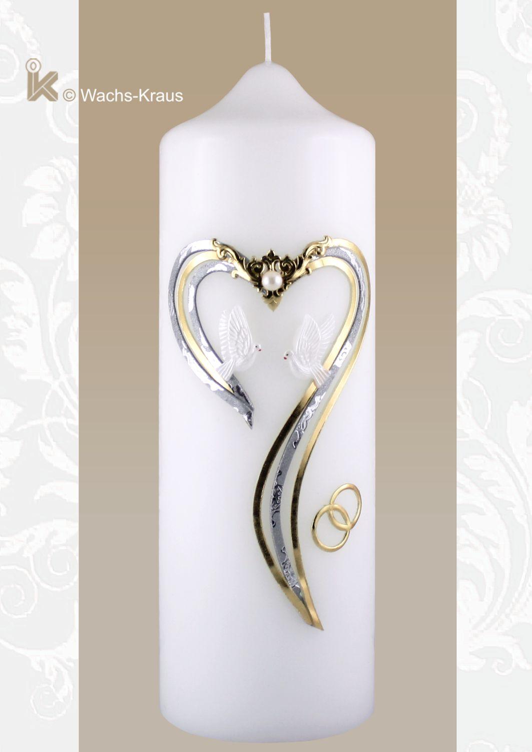 Zauberhafte Hochzeitskerze mit nach unten offenen Herz in Gold und geprägtem Silber, aus Wachs gegossenen Tauben,  Perle und goldenen Ringen.