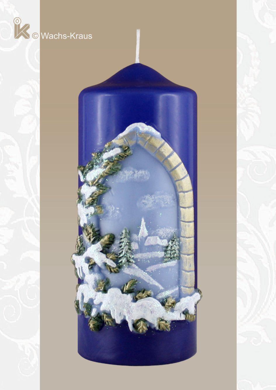 Stilvolle Weihnachtskerze Winterlandschaft, blau.