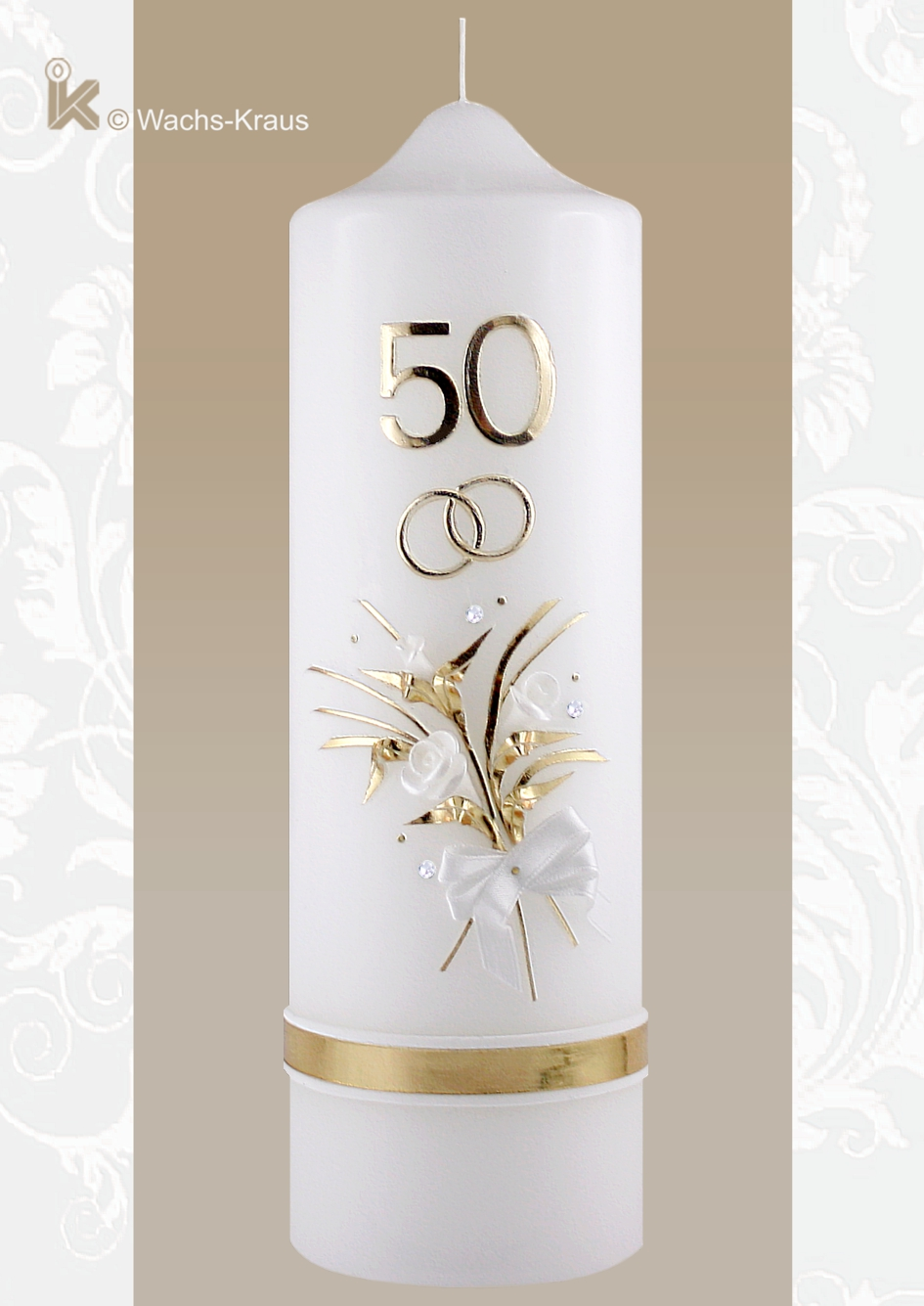 Diese fein verzierte  Kerze zum 50-jährigen Ehejubiläum mit dem dezenten, weiß unterlegten, goldenen Abschlussband ist ein wunderbares Geschenk.