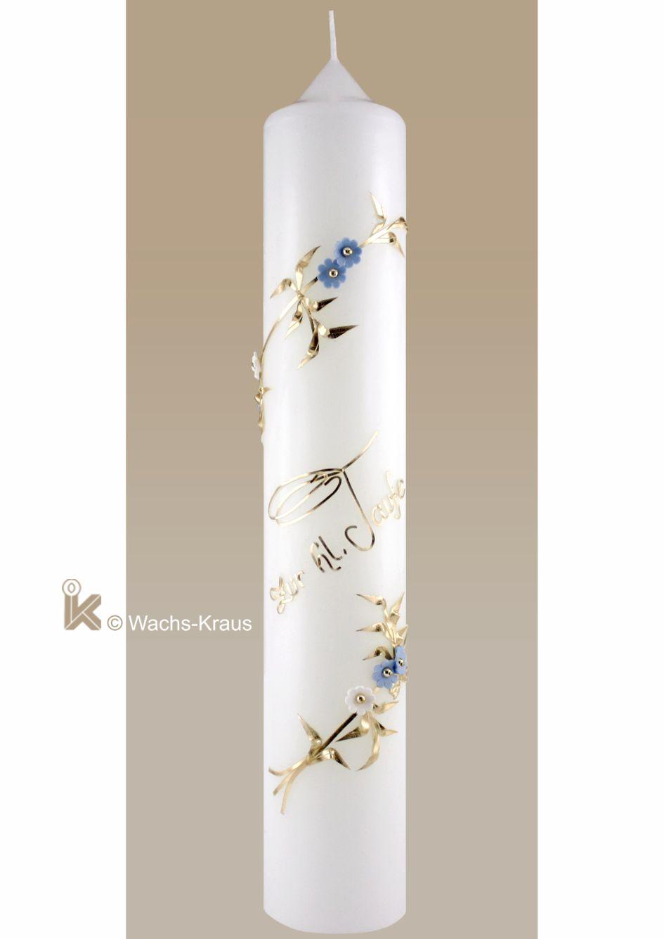 Taufkerze für Jungen mit zwei umlaufenden goldenen Ranken mit Blüten und Blättern. Dazwischen fein gelegt die Schrift: zur hl. Taufe.