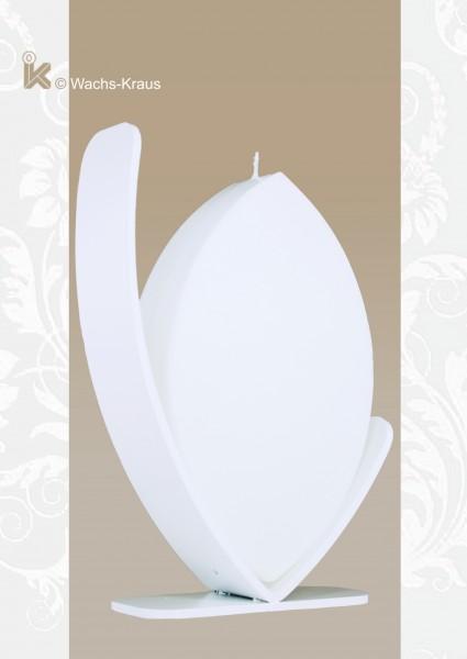 Ellipsenförmige Kerze zum selbst verzieren. Der Ständer ist im Preis enthalten.