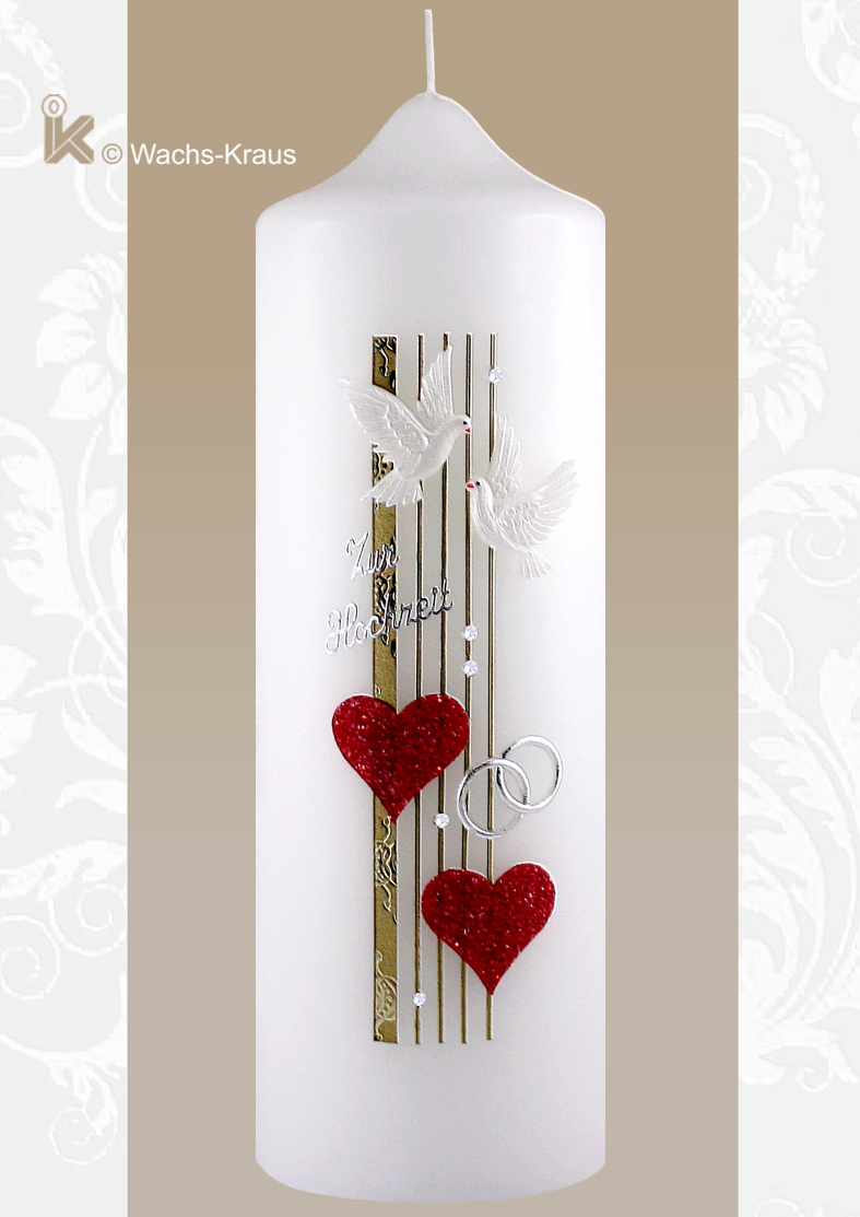 Moderne Hochzeitskerze, zwei kräftig rote Herzen, zwei aus Wachs gegossene Tauben, der Schriftzug: zur Hochzeit, die silbernen Ringe, Strass Steine.