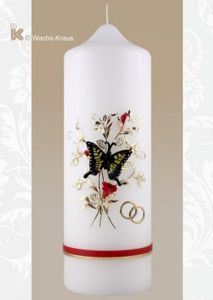 Hochzeitskerze mit einem aus Wachs gegossenen Schmetterling
