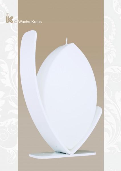 Kerze zum selbst gestalten mit Kerzenständer. Die gerade Oberfläche dieser Kerze macht Ihnen das Verzieren einfach.