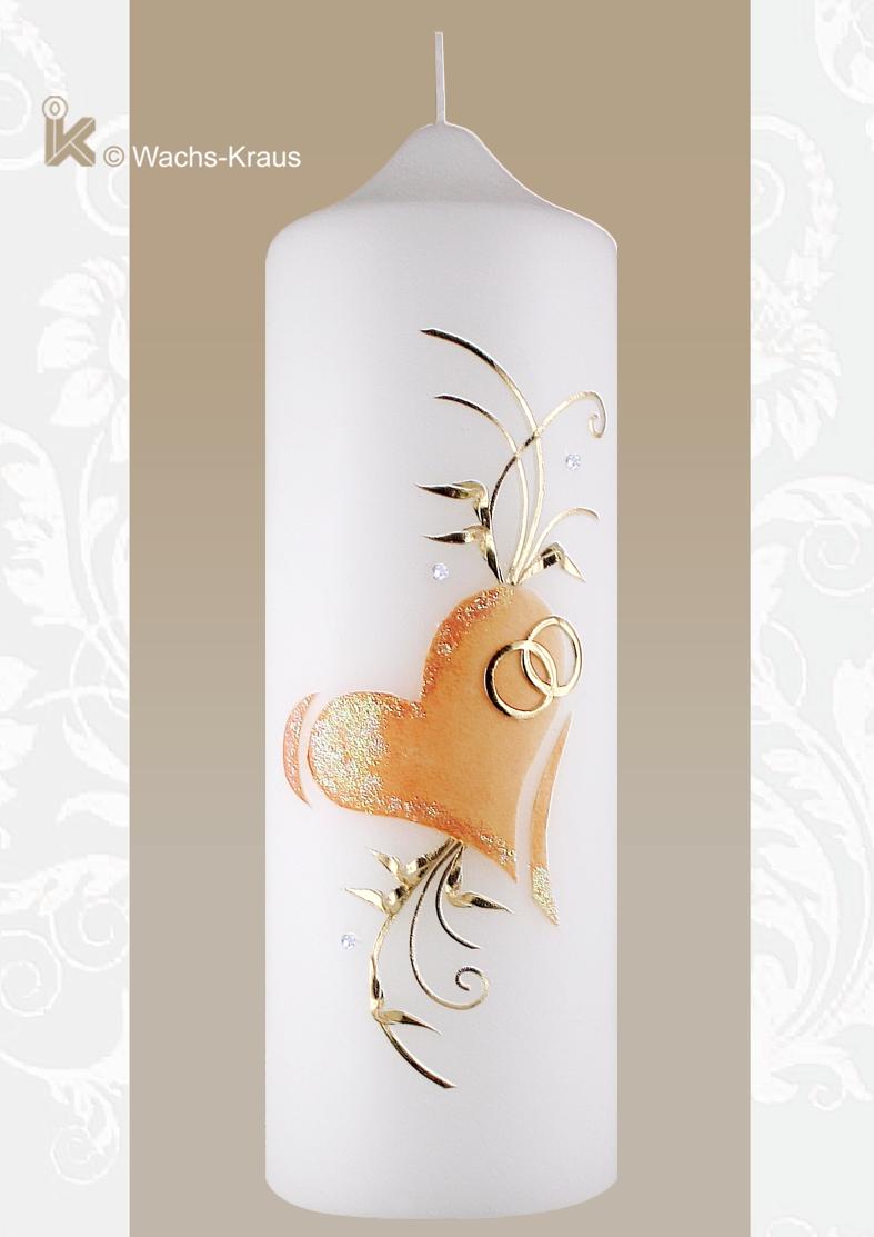 Das zarte apricot-Farbene Herz mit Glimmer, die goldenen Ringe, goldfarbenes Blattwerk.