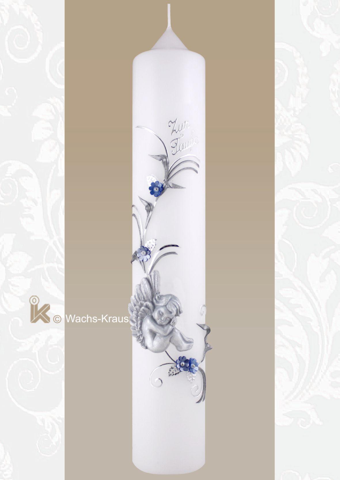 Taufkerze Schutzengel blau. Sehr schöner, aus Wachs gegossener, leicht patinierter Engel in einer silberfarbenen Ranke.