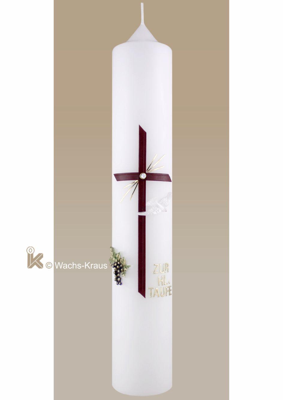 Eine sehr schöne klassische Taufkerze für Mädchen mit einer, aus Wachs gegossenen Weintraube, einem roten Kreuz mit goldenen Strahlen und Strassstein.